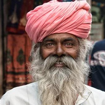 Soin de la barbe – Quels produits et comment faire?